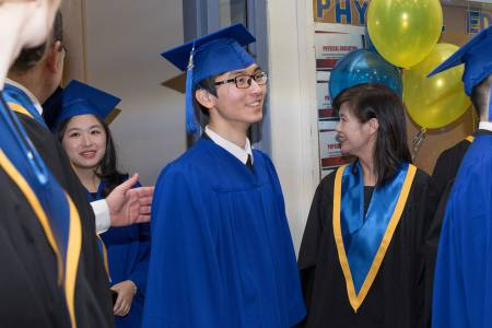 Bodwell-Graduation-2017-Ceremony-011