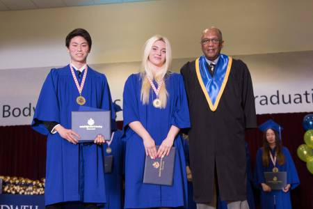 Bodwell-Graduation-2017-Ceremony-091
