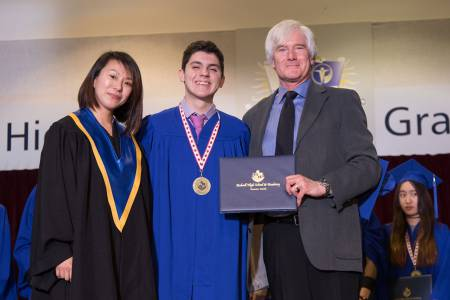 Bodwell-Graduation-2017-Ceremony-109