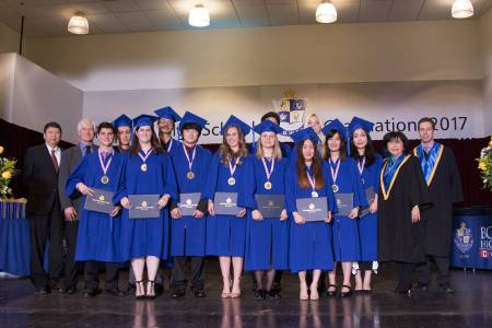 Bodwell-Graduation-2017-Ceremony-111