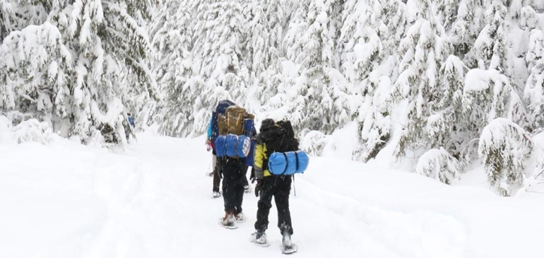 Boarding Program Visits Elfin Lakes Winter Wonderland